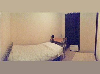 EasyRoommate UK - Single rooms , Temple - £600 pcm