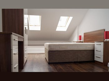 EasyRoommate UK - Short term let available from now until August- L3 City centre- En-Suite bathroom- Furnished & bills, Liverpool - £485 pcm