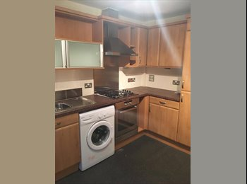 EasyRoommate UK - Modern double room near city centre!, Warriston - £300 pcm