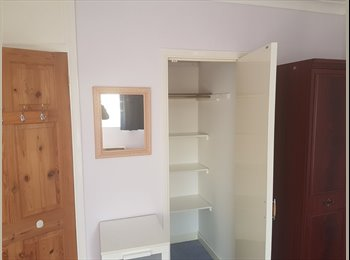 EasyRoommate UK - Doble room, High Wycombe - £550 pcm