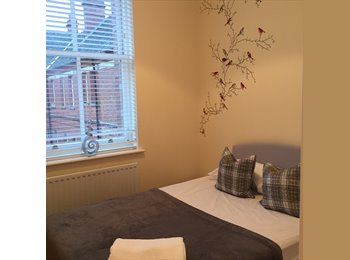 EasyRoommate UK - Modern Apartment in Repton park Woodford London, Charing Cross - £800 pcm