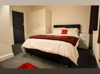 EasyRoommate UK - City Centre **Studio **, Litchurch - £400 pcm