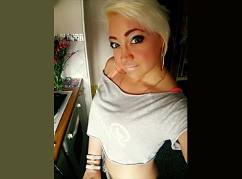 EasyRoommate UK - Sylvina - 25 - Southport