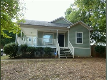 EasyRoommate US - Minutes from Downtown ATL, 3 rooms in shared house, Peoplestown - $625 pm