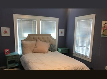 EasyRoommate US - Great room, great location, healthy roommate, Lower Greenville - $800 pm