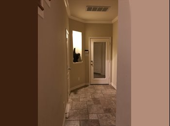 EasyRoommate US - Gperformed orgeous Luxury Three-Story Townhome in Rice Military, Rice Military - $750 /mo