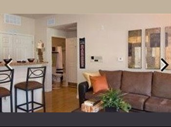 EasyRoommate US - Comfy room, perfect for student or professional. , Northwest Side - $500 pm