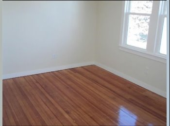 EasyRoommate US - Room for Rent in 3 Bedroom Apartment - 3 Family house, Bridgeport - $800 /mo