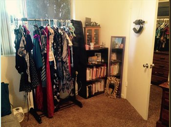 EasyRoommate US - Private room/ walk-in closet $700/month, Northridge - $700 /mo
