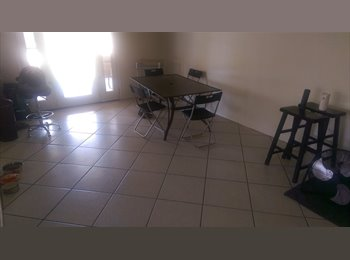 EasyRoommate US - House with HUGE Backyard!!, Dobson Ranch - $500 /mo