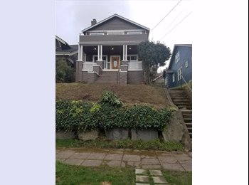 EasyRoommate US - 100ft2 Bedroom (10ft ceiling) in 2400ft2 5br/3ba House Share | Free Parking, Mt. Baker - $770 pm