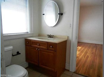 EasyRoommate US - 700 sqr ft bedroom with private entrance, Norfolk - $850 /mo