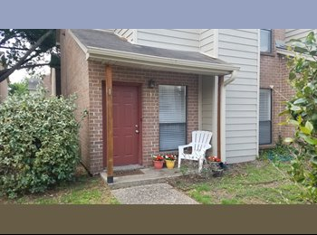 EasyRoommate US - 1br - 1 Bed/1 Bath Available in a 2 Bed/2.5 Bath Townhome, College Station - $600 pm