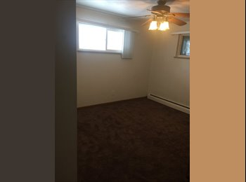 EasyRoommate US - Room for rent in quite house , centrally located , Lakewood - $700 pm