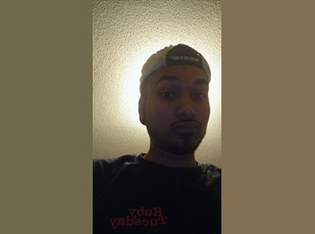 EasyRoommate US - Enrique - 25 - Rochester
